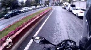 Yüksek-Prodüksiyonlu-Köpekten-Nasıl-Kaçılır-Videosu-Geçen-Yine-Motordayım